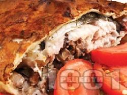 Рибник от тесто с шаран, орехи, лук, магданоз, босилек и копър на фурна за Никулден - снимка на рецептата